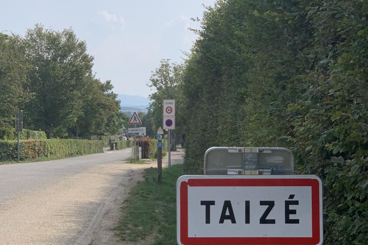 Taize Road Sign